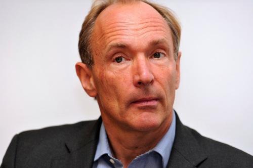 صورة إلتقطت للعالم الإنجليزي برنرز لي عام 2010 في المؤتمر السنوي لمجتمع العلوم الملكي بإنجلتر