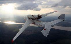 المركز الأول: طائرة الأتحاد السوفيتي (سابقا) أنتونوف أيه أن-255 هي الأكبر علي مستوي العالم. بدأ استخدام هذه الطائرة عام 1988 وهي تستخدم للأغراض العسكرية ولحمل سفن الفضاء الروسية. الطائرة مزودة بـ 6 محركات وتستطيع حمل 640 طن. الطائرة مزودة بـ 32 عجلة تستطيع الدوران في مسافة 60 متر فقط