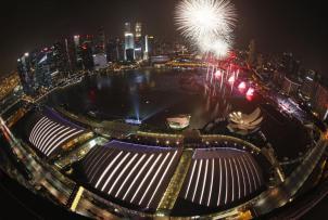 20 ألف من المشاهدين يحتفلون بالعام الجديد في سنغافورة