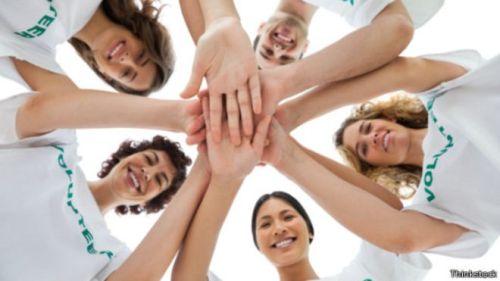العمل التطوعي لخدمة المجتمع يكون مفيدا حيث تقدره معظم الشركات الكبري عند اختيار الموظفين الجدد