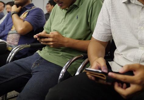 student-texting