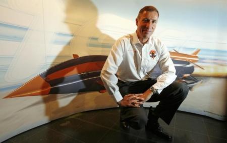 آندي جرين صاحب الرقم القياسي الحالي في سرعة السيارات