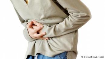 الإسهال: قد يبدو غريبا أن يصنف مرض الإسهال في قائمة أخطر الأمراض والأسباب المؤدية لوفاة الإنسان، لكن إحصائيات منظمة الصحة الدولية أشارت إلى وفاة نحو ثلاثة ملايين شخص بالإسهال وتداعياته. وسبب ذلك يعود إلى أن بعض الأمراض الخطيرة تسبب الإسهال المزمن القاتل، مثل الكوليرا والتيفوئيد وأمراض المعدة
