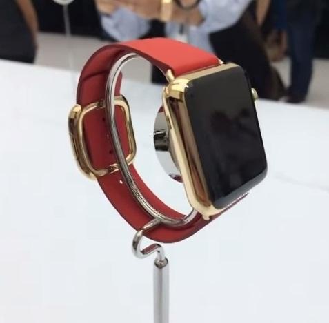 ساعة أبل هل تصبح القفزة الرائعة للشركة أم إختراع لا يحتاجه أحد