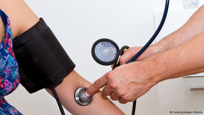 قياس ضغط الدم بأستمرار يساعد علي السيطرة عليه