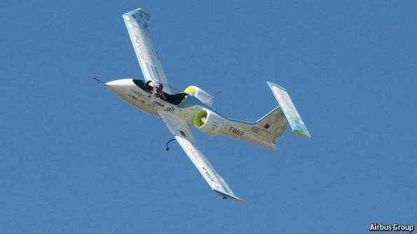 شركة أير باص تصنع أول طائرة تجارية في العالم تعمل بالبطاريات فقط دون قطرة وقود واحدة
