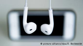 Head-phone-02