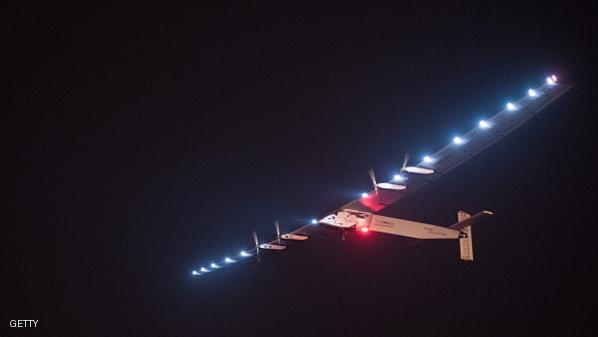 صورة لطائرة سولار إمبلس 2 التي تعمل بالطاقة الشمسية