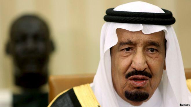 أكد الأمير السعودي، وهو أحد أحفاد مؤسس المملكة عبد العزيز ابن سعود، لصحيفة الجارديان إنزعاج العائلة المالكة من الملك الحالي الذي يدير شؤون البلاد