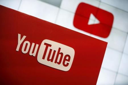 شعار يوتيوب في لوس انجليس يوم 21 أكتوبر 2015