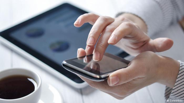 نحن نستخدم الموبايل طوال الوقت
