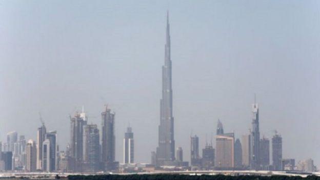 برج خليفة هو أطول مبنى في العالم حاليا