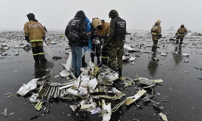 حطام طائرة فلاي دبي التي سقطت في روسيا مارس 2016
