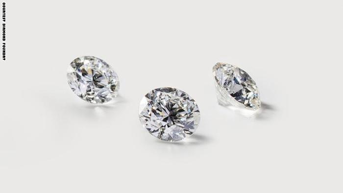 الماس من أغلي الأحجار الكريمة