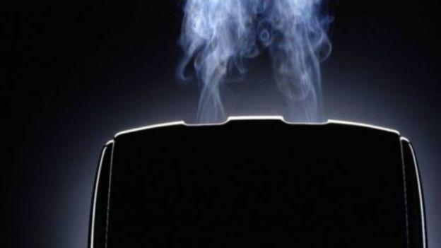 برنامج ميراي الخبيث يخترق اجهزة منزلية مثل محامص الخبز وبالتالي الدخول إلى شبكة من أجهزة الكمبيوتر والعبث بها