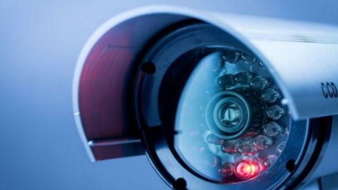 الأجهزة المنزلية المتصلة بالإنترنت مثل كاميرات المراقبة تحولت لوسيلة جديدة بيد القراصنة لشن هجمات الكترونية