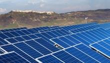 ألواح الطاقة الشمسية تنتشر بسرعة قياسية عالميا
