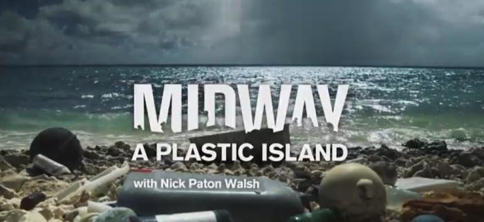المخلفات البلاستيكية التي يلقيها الإنسان في الماء تدمر الطبيعة التي نعيش فيها بطريقة لا يمكن تخيلها