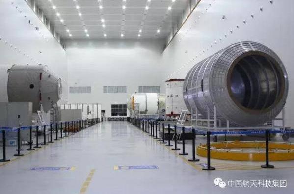 مكونات المركبة تيانتشو 1 ومختبر الفضاء تيانجونج 2 في المركز الفضائي الصيني وينشانج