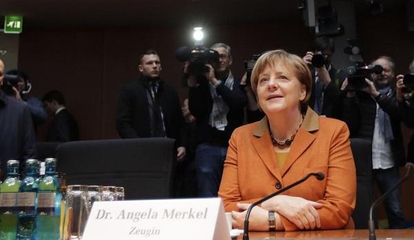 المستشارة الألمانية أنجيلا ميركل تدلي بشهادتها أمام لجنة برلمانية