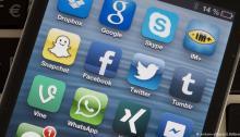 تطبيقات مواقع التواصل الإجتماعي علي الموبايل