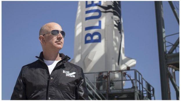 """افتتح جيف بيزوس شركته الفضائية """"بلو أوريجين"""" عام 2000"""