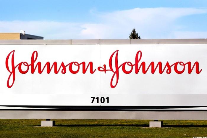 جونسون آند جونسون هي شركة الأدوية الوحيدة التي تواجه حكما قضائيا بالغرامة بعد الفشل في التوصل إلى تسوية كشركات أخرى