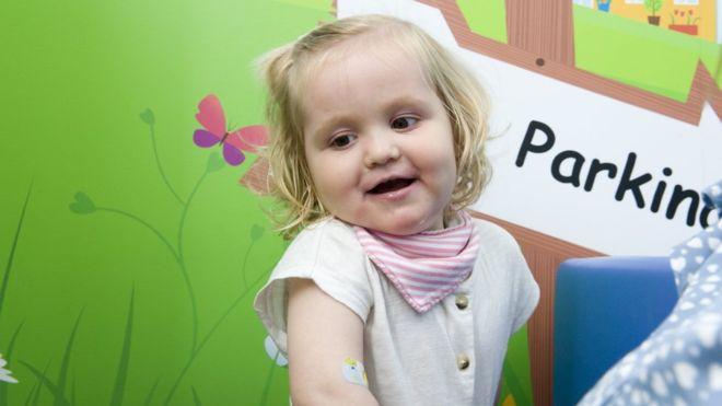 تعد شارلوت ستيفنسون، البالغة من العمر عامين من بلفاست، واحدة من أوائل المرضى الذين استفادوا من الدواء