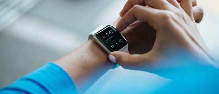 الساعات الإلكترونية وسيلة لجمع البيانات الطبية عن مرتديها