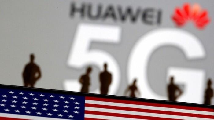 شعار الجيل الخامس للاتصالات من شركة هواوي مع علم الولايات المتحدة