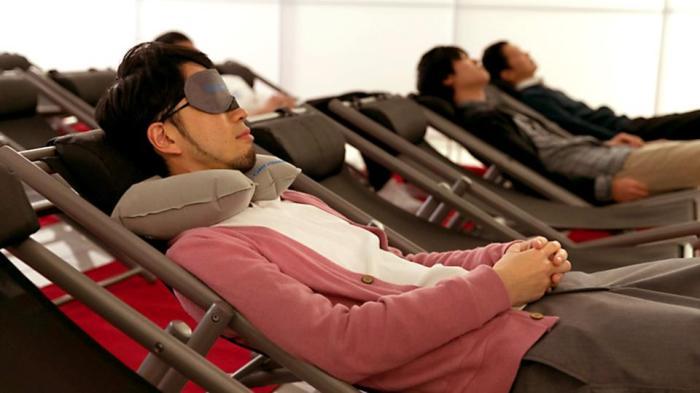 نوم القيلولة وسيلة اليابان لمعالجة إرهاق العمل
