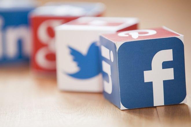 فيسبوك يتصدر مواقع التواصل في الدعاية الشفهية في مصر