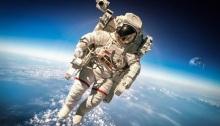 عملية سير في الفضاء