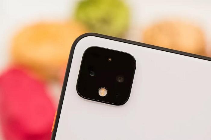 تستخدم موبيلات جوجل من طراز بيكسل 4 نظام متطور للكاميرات في خلفية الموبايل