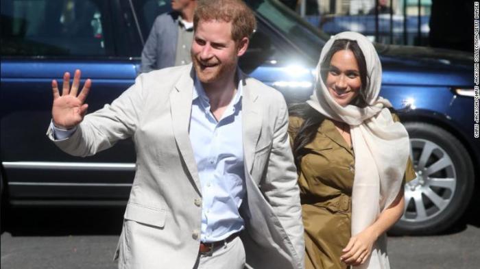 الأمير هاري دوق ساسكس وزوجته ميجان ماركل يزوران مسجد أووال في كيب تاون خلال جولتهم الملكية في جنوب إفريقيا