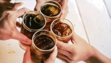 سنغافورة تحظر إعلانات المشروبات الغازية لمكافحة مرض السكر