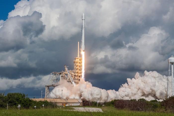 انطلقت رحلة إكس-37بي علي متن صاروخ فالكون 9 الذي تنتجه شركة سبيس اكس يوم 7 سبتمبر 2017