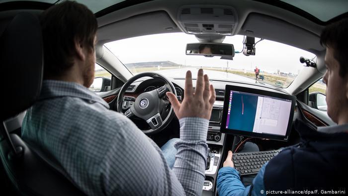 الذكاء الإصطناعي يختار الوقت المناسب لإبلاغ سائق السيارة بالمعلومات