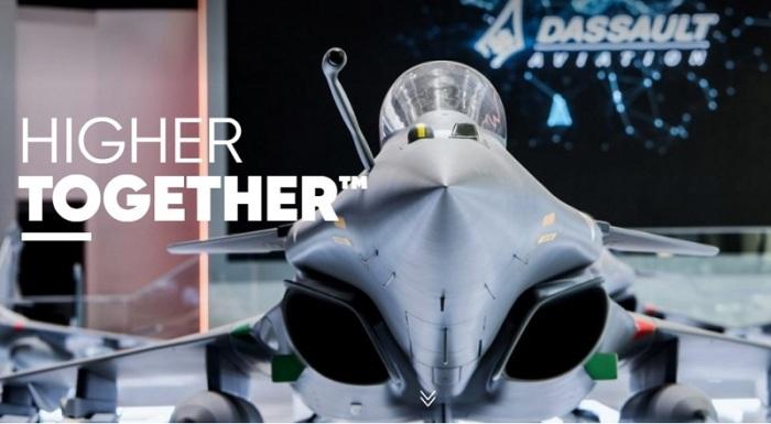 شركة داسو تنتج الطائرات المقاتلة الحربية وأيضا الطائرات التجارية