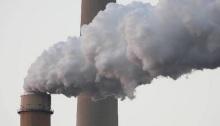 التلوث الناتج علي الغازات الصناعية له آثار مدمرة علي البيئة