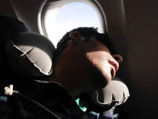المقعد بجوار النافذة هو الأفضل لمن يريد النوم