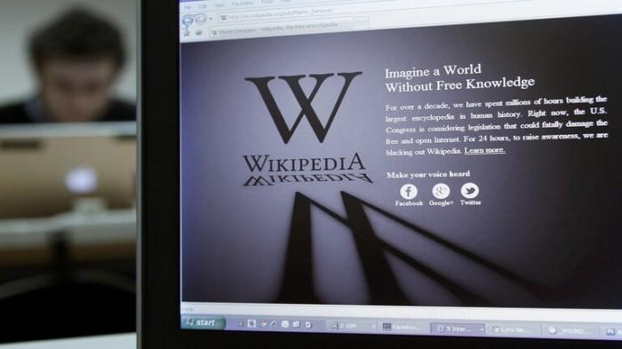 موسوعة ويكيبيديا تنشأ شبكتها الإجتماعية