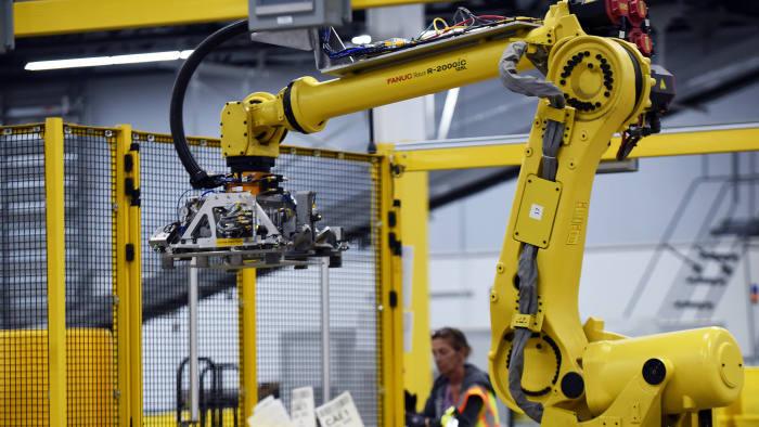 يتبقى التدخل البشري ضرورية للتغلب على تحيز خوارزميات الذكاء الإصطناعي