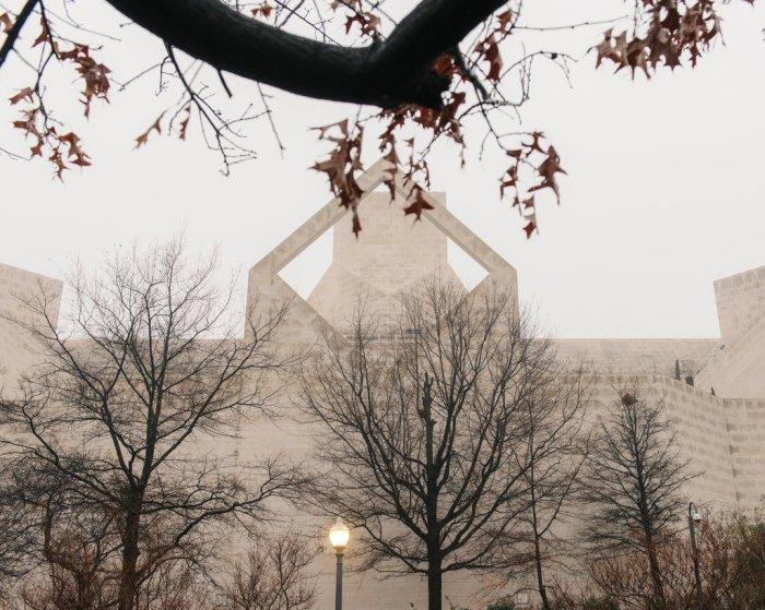 السفارة الصينية في واشنطن، عمليات الطرد تثبت أن الحكومة الأمريكية تتخذ الآن موقفا أكثر تشددا ضد التجسس المشتبه به من جانب الصين