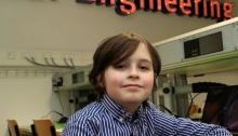 الطفل البلجيكي النابغة لوران سيمونز