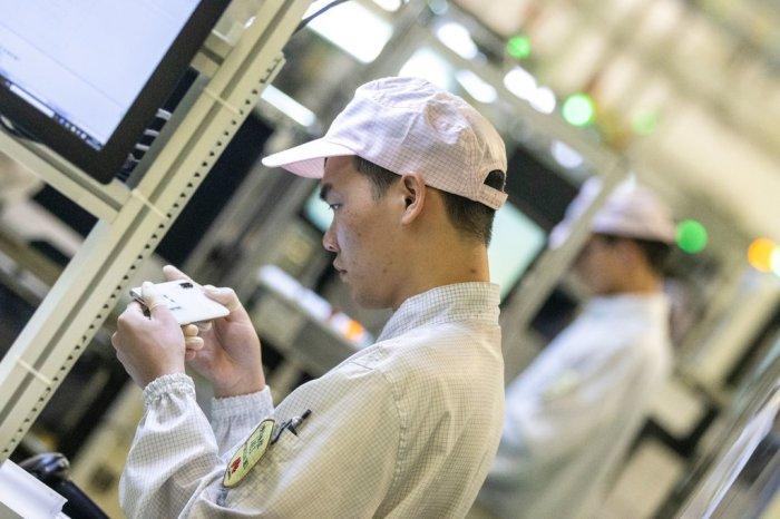 شركة هواوي هي جوهرة الأقتصاد الصيني وعملاق شبكات الأتصالات