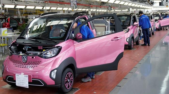 أحد مصانع السيارات الكهربائية في الصين