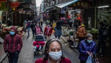 أوصت الحكومة الناس في جميع أنحاء الصين بارتداء أقنعة لوقف انتشار فيروس كورونا الخطير