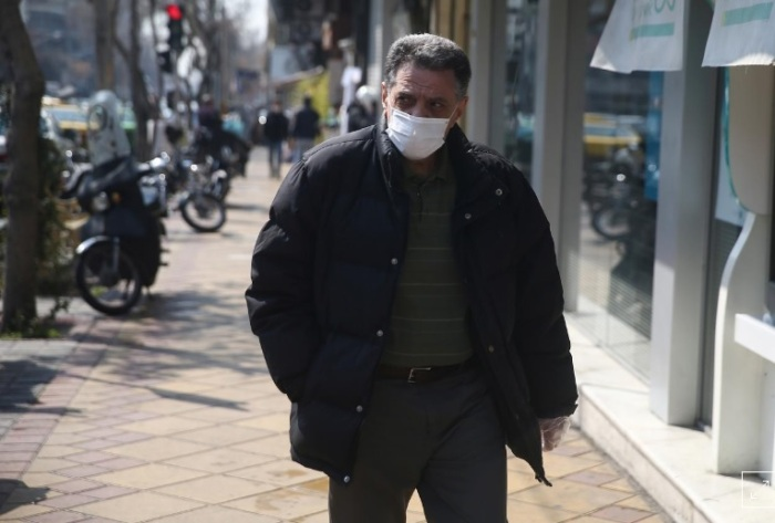 إيراني يضع كمامة في طهران يوم الخميس 5 مارس 2020