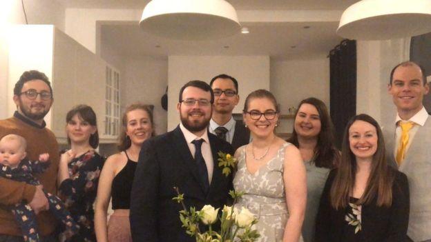 جرى الترتيب لحفل الزفاف بشكله الجديد خلال أربعة أيام فقط